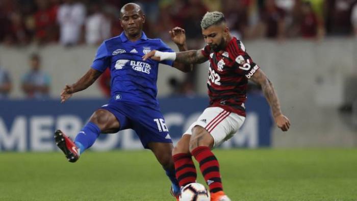 Óscar Bagüí frente a Flamengo
