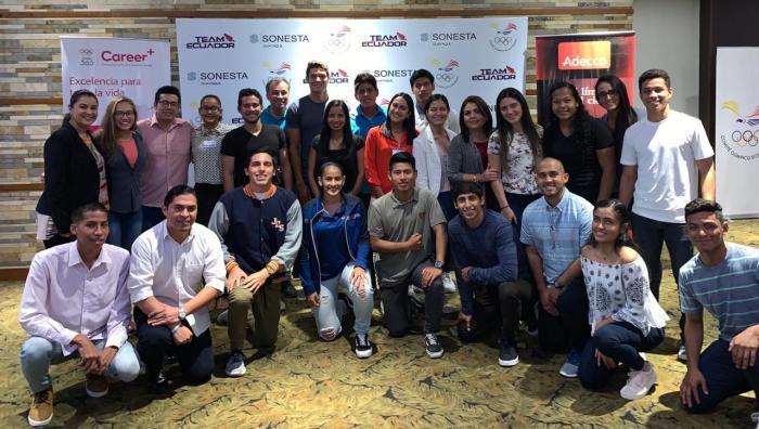 Charlas en las oficinas del Comité Olímpico Ecuatoriano
