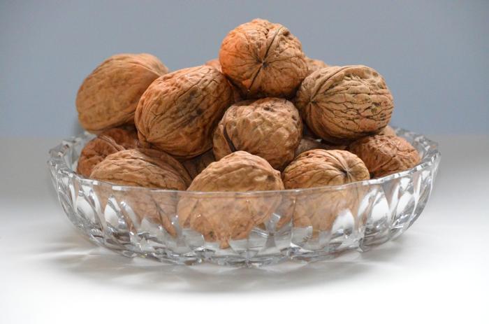 walnuts-545225_960_720