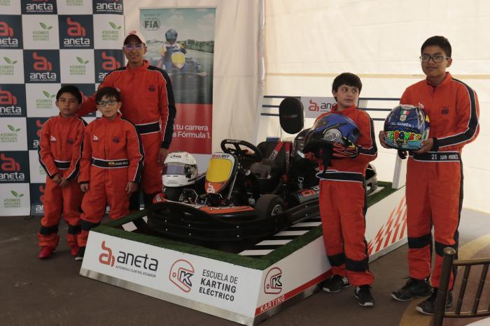 Escuela de karting eléctrico - alumnos