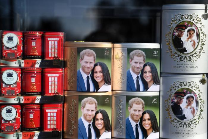 Royal memorabilia fea (30925315)