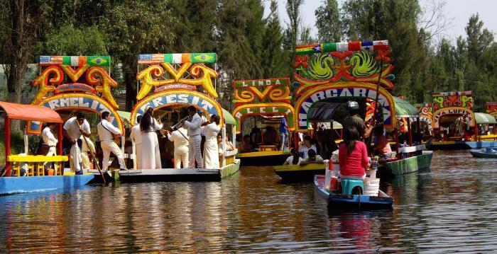 ciudad-de-mexico_destinos-principales_xochimilco_05
