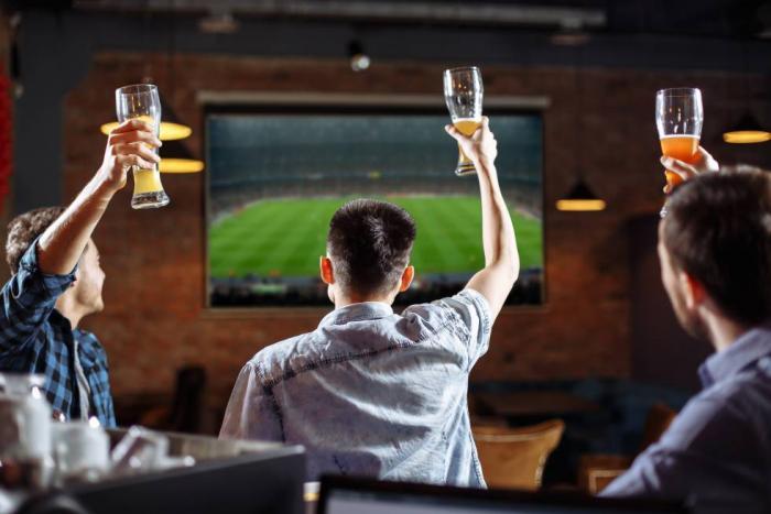 Puedes ver el encuentro de Sporting Cristal y Barcelona en un Smart TV.