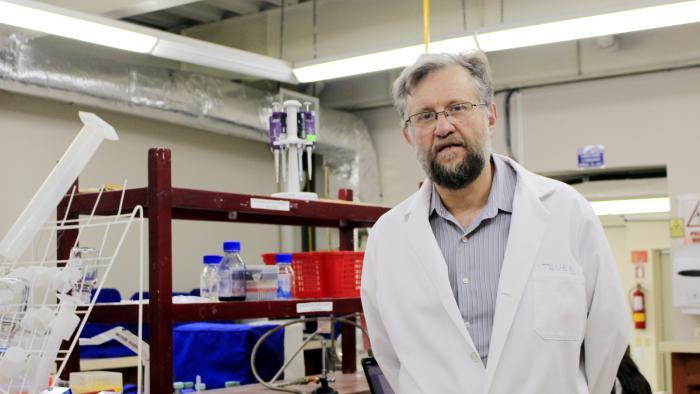 Gabriel-Trueba-Microbiología-USFQ