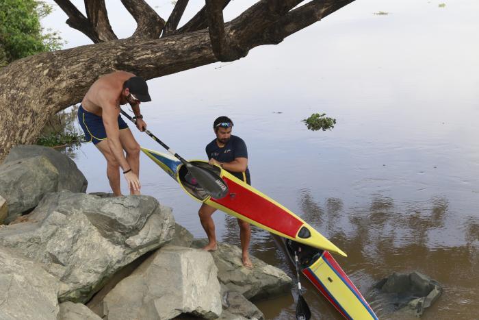 Ecuador kayak canoa entrenamiento coronavirus