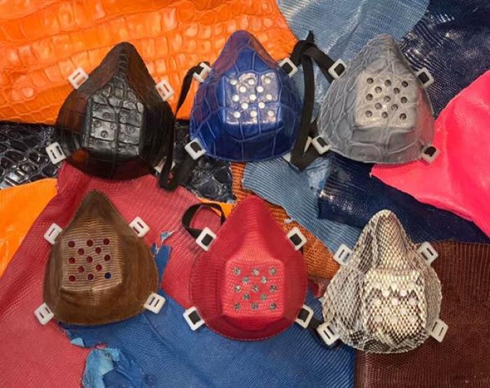 Artesano confecciona mascarillas con pieles de iguanas y ...