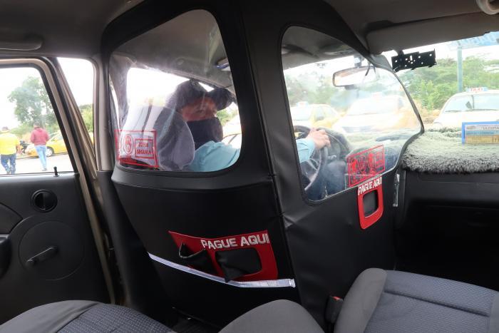 taxistas en Guayaquil se protegen