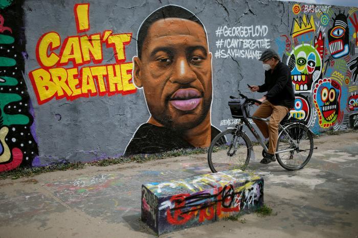george-floyd-mural-mundo-arte-graffitti-i-cant-breathe