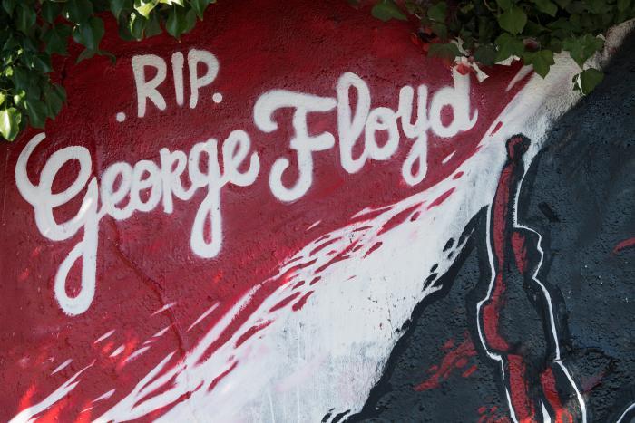 george-floyd-mural-mundo-arte-graffitti-rip