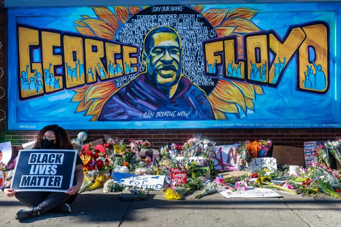 george-floyd-mural-mundo-arte-graffitti-homenaje