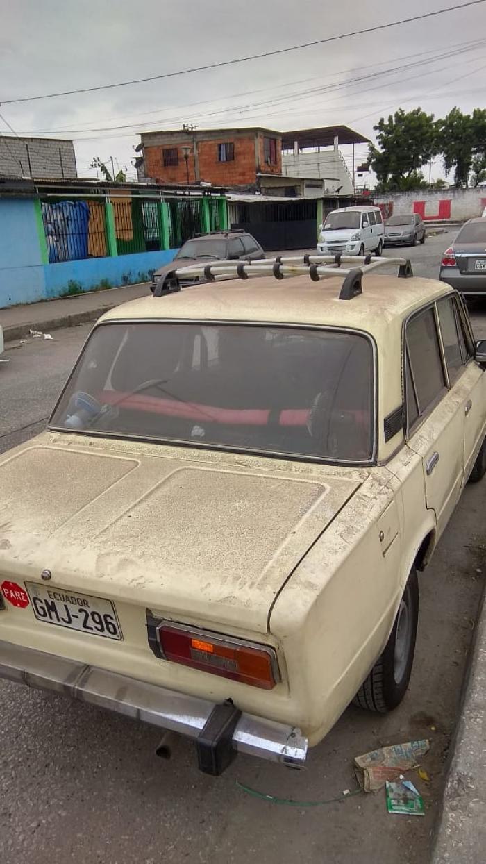 carro con ceniza