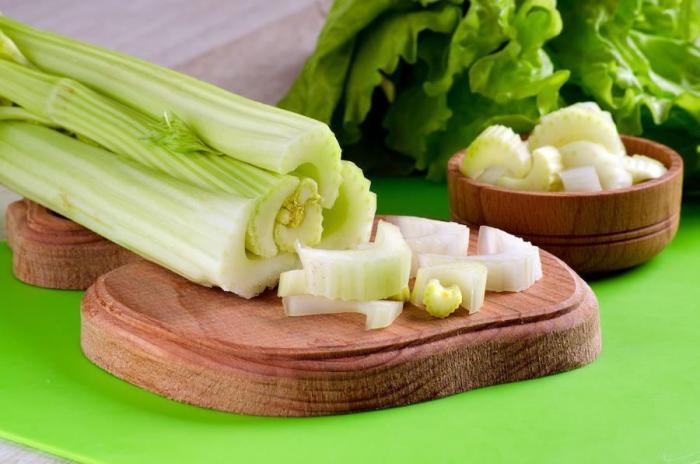 El apio, un vegetal nutritivo.