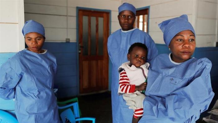 ebola-africa-doctores
