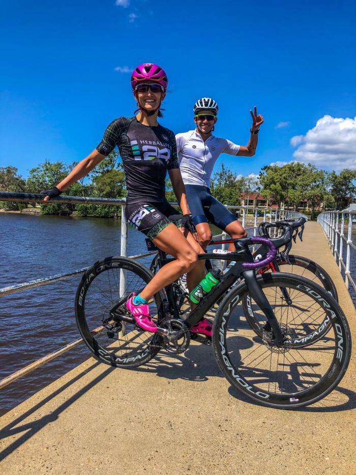 Elizabeth-Bravo-Australia-triatlón-regreso-préstamos-coronavirus