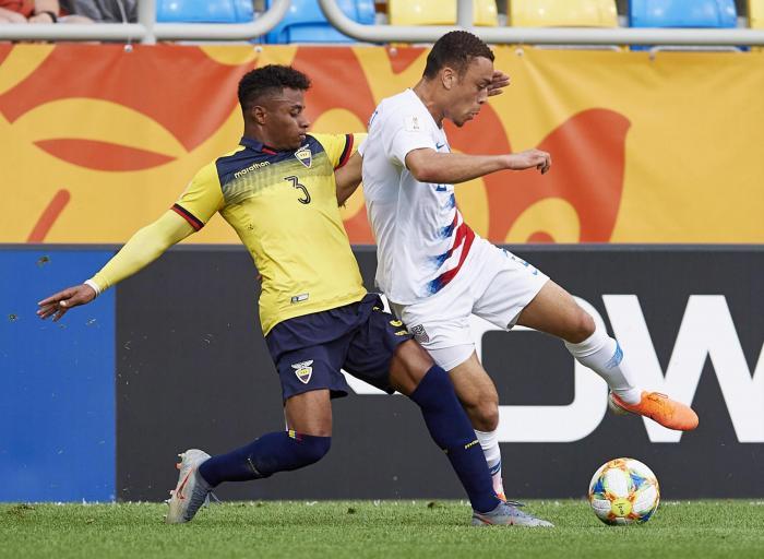 Diego Palacios (i)  fue una de las figuras de Ecuador, en el Mundial Sub 20 de Polonia.