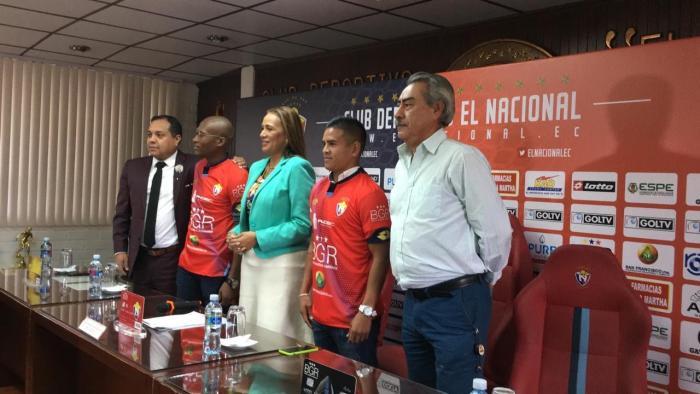 Washington Vera y Tito Valencia se transfieren como préstamo a El Nacional.