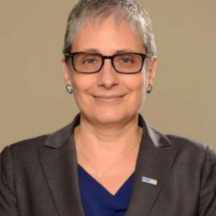 Virginia Lasio Morello es Ph.D. por Tulane University y profesora de Comportamiento Organizacional en ESPAE, Escuela de Negocios de la ESPOL..