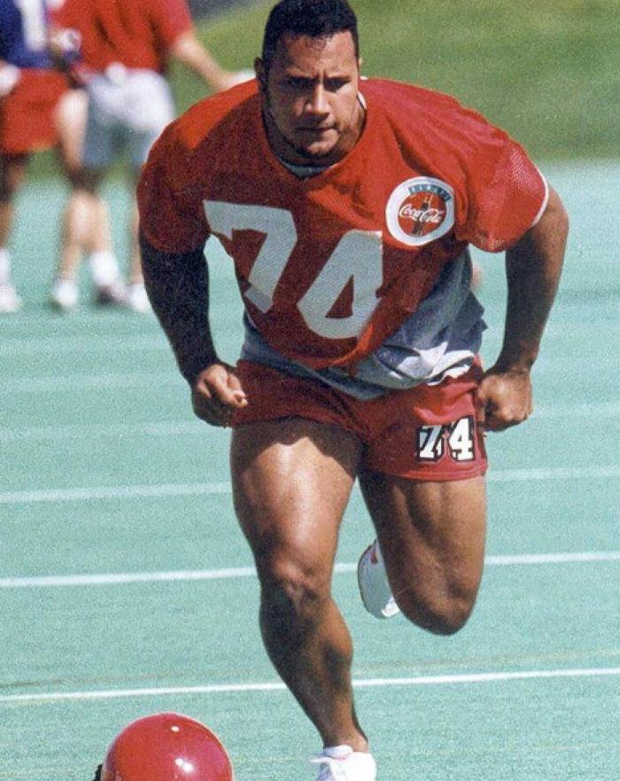 Dwayne Jhonson fútbol americano