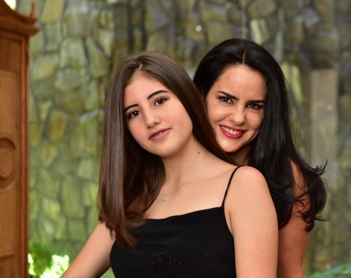 Paola Vintimilla junto a su hija