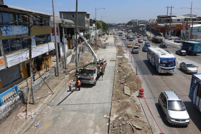 Paso peatonal Juan Tanca