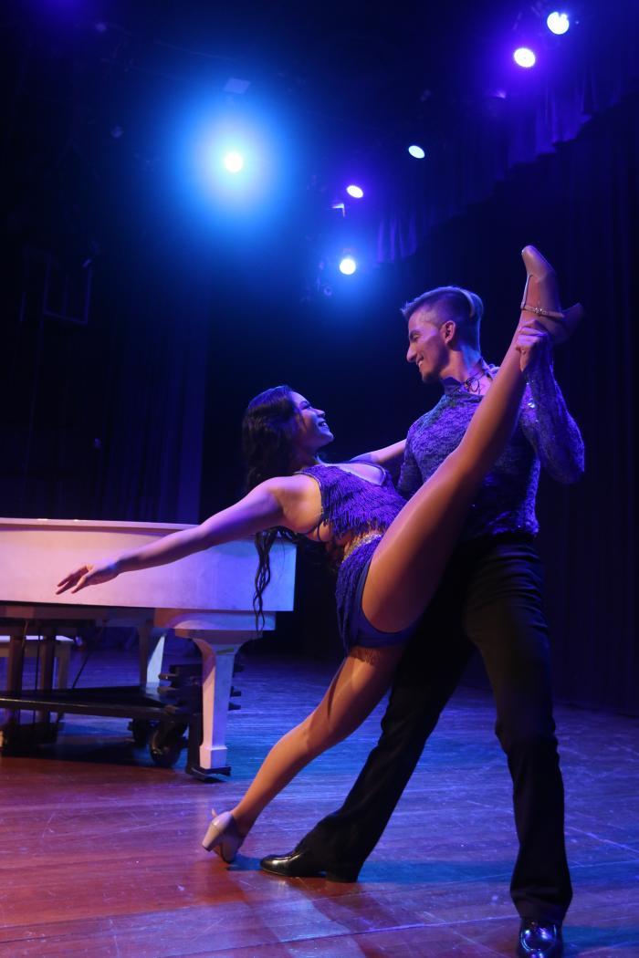 Bailarines de salsa.
