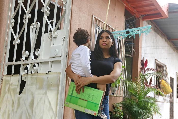 Alejandra Paredes y Daniel