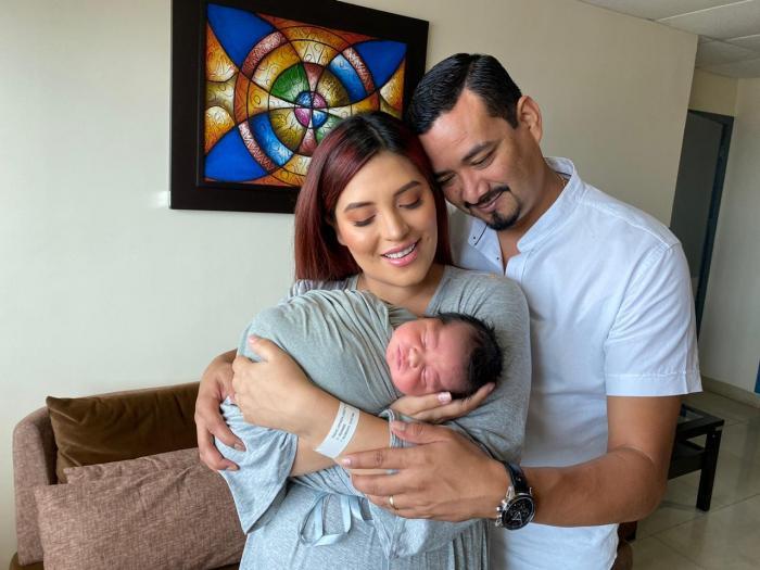 La Suka con su familia