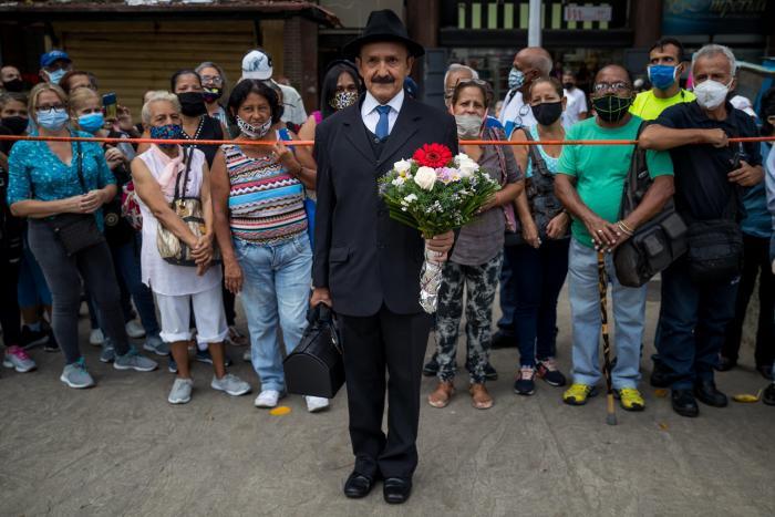 fotos exhumación Gregorio Hernández