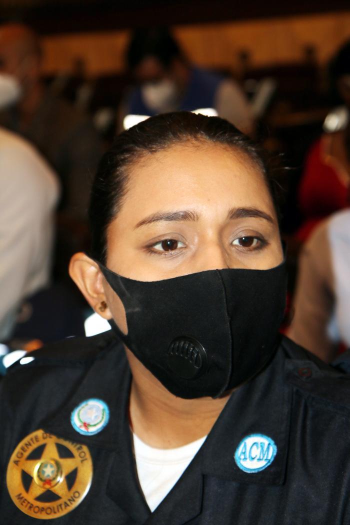 Karen Erazo, policía municipal