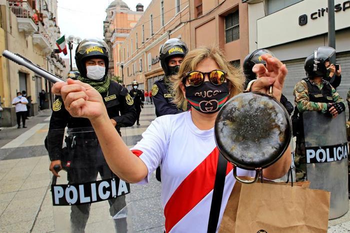 protestas-peru-crisis-politica-vizcarra-merino