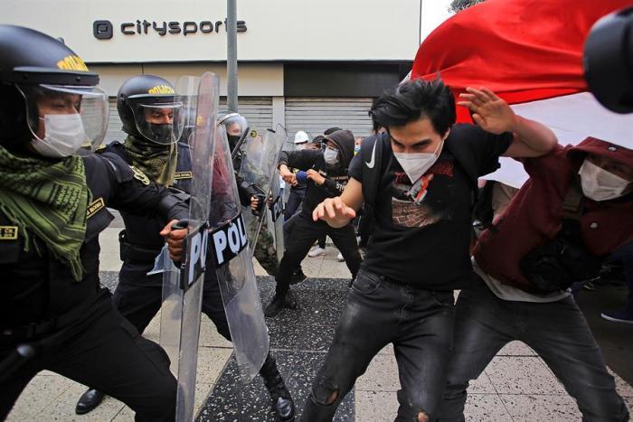fotos-vizcarra-merino-protestas-peru-crisis-politica