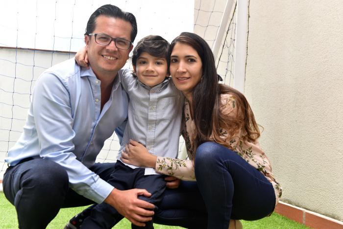 Héctor Muñoz junto a su familia.