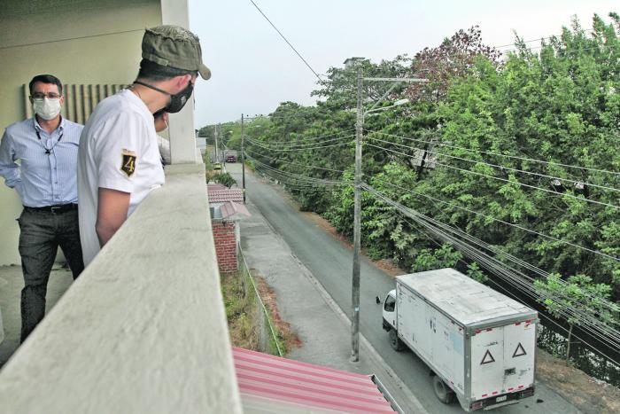 El ruido del transporte pesado es uno de los temas que más molesta. Además, hay quejas por contaminación del canal adjunto.