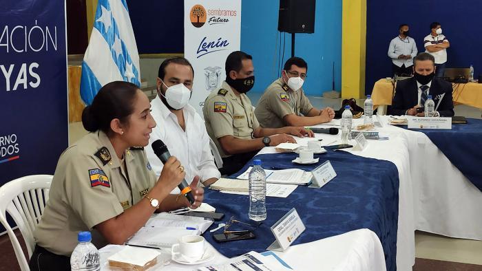 AUTORIDADES POLICIALES Y DE LA PROVINCIA PARTICIPARON DE LA MESA DE TRABAJO (1)