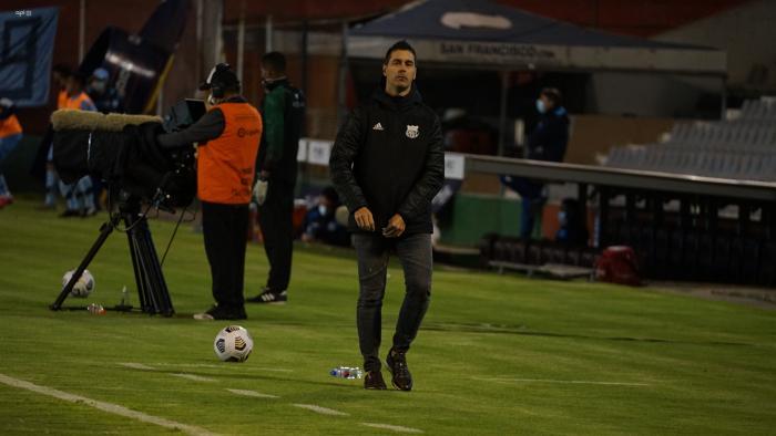 Juan-Rescalvo-asistente-Emelec
