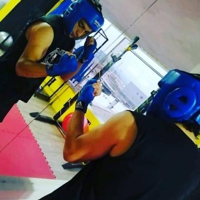 Joel Cahuasquí kick boxing