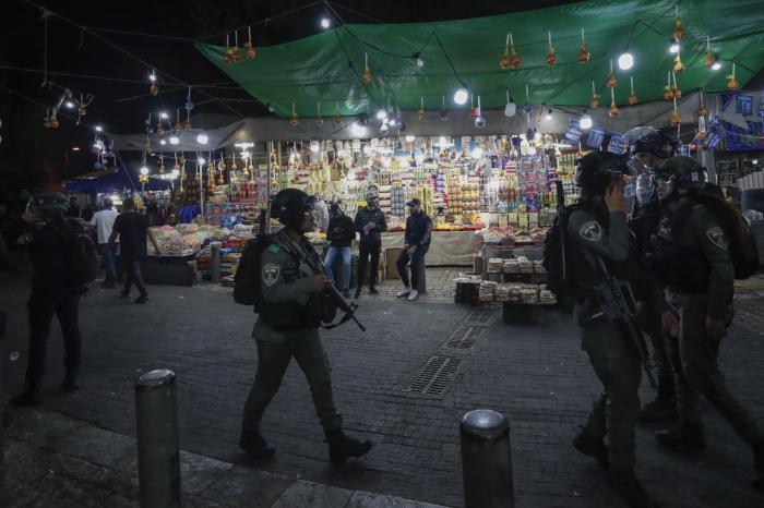 Policía de Israel custodia la zona de la puerta de Damasco.
