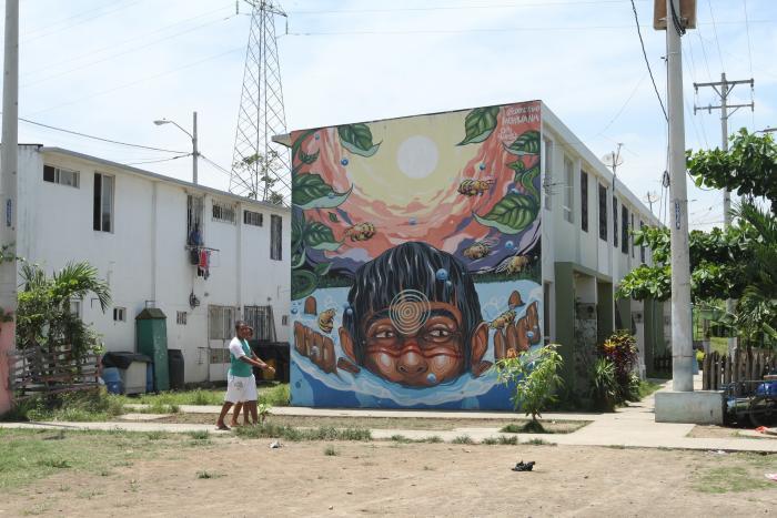 Uno de los murales de Nuevo Ceibos, que forman parte de la bienal.