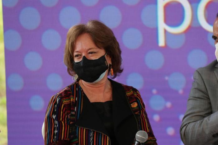 María Elena  Machucha