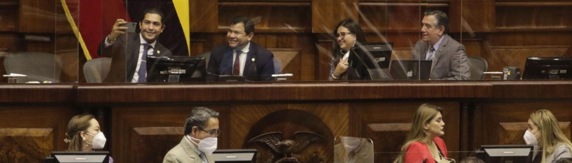 Asamblea- sesión- semipresencial