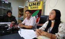 Representantes del Frente Vanguardia del Magisterio y el Frente de Lucha del Ingreso al Magisterio de Guayaquil.