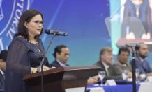 La rectora de la Espol, Cecilia Paredes, durante la sesión solemne de aniversario del 29 de octubre pasado