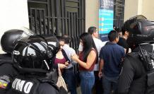 elecciones universidad de guayaquil retrasos
