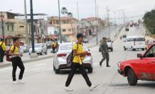 peligro cruce peatones teniente hugo ortíz