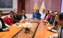 Miembros de PAIS presentan demanda a designación de Alejandra Vicuña