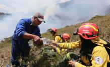 incendio casitagua bomberos quito