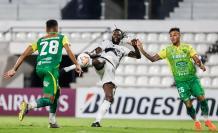 Emmanuel Adebayor - Olimpia