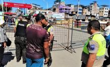 La policía también se unió a los militares para asegurar que no haya flujo de personas