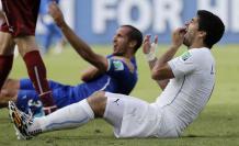 Fútbol-Suárez-Chiellini