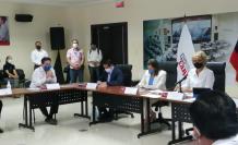 Cynthia Viteri reunión COE Nacional